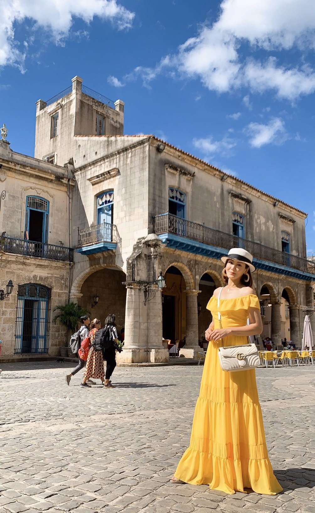 邱琦雯過年前赴古巴旅遊、充電兼吸取服裝設計靈感。圖/艾迪昇傳播提供