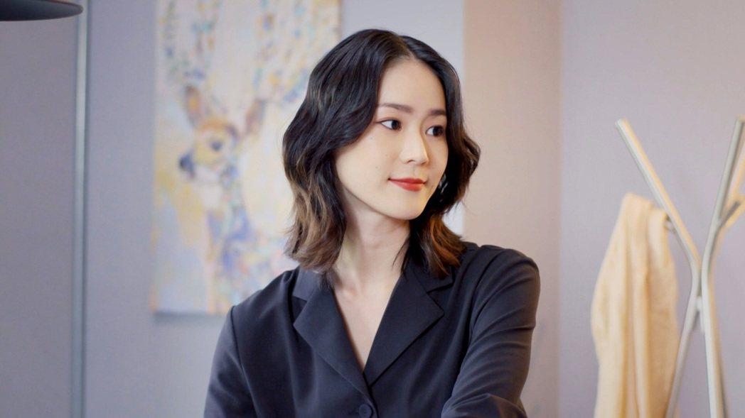 鍾瑶在戲中的行頭被粉絲追捧。圖/三立提供