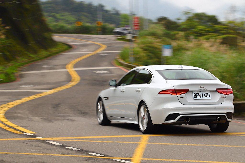 以Jaguar XE P300 R-Dynamic SE的300ps馬力設定而言...