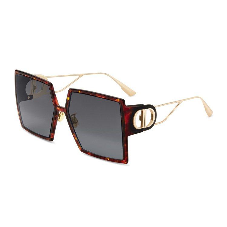 DIOR 30 Montaigne太陽眼鏡,玳瑁寬版17,200元。圖/DIOR...