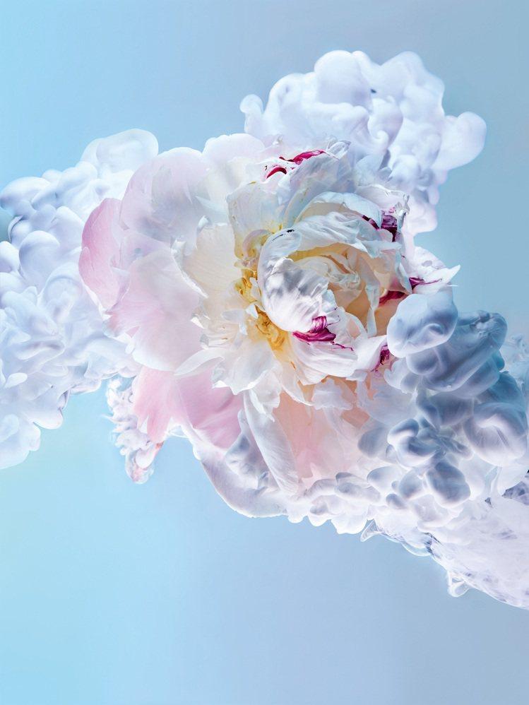 JOY by Dior淡香精呈現女人奔放自在的個性。圖/迪奧提供