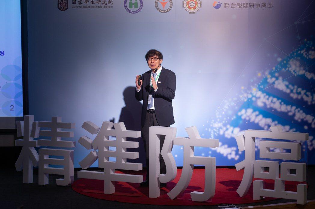 AI大數據跨進癌症醫療領域,健保署長李伯璋表示,癌友透過精準醫療,有效延長存活期...