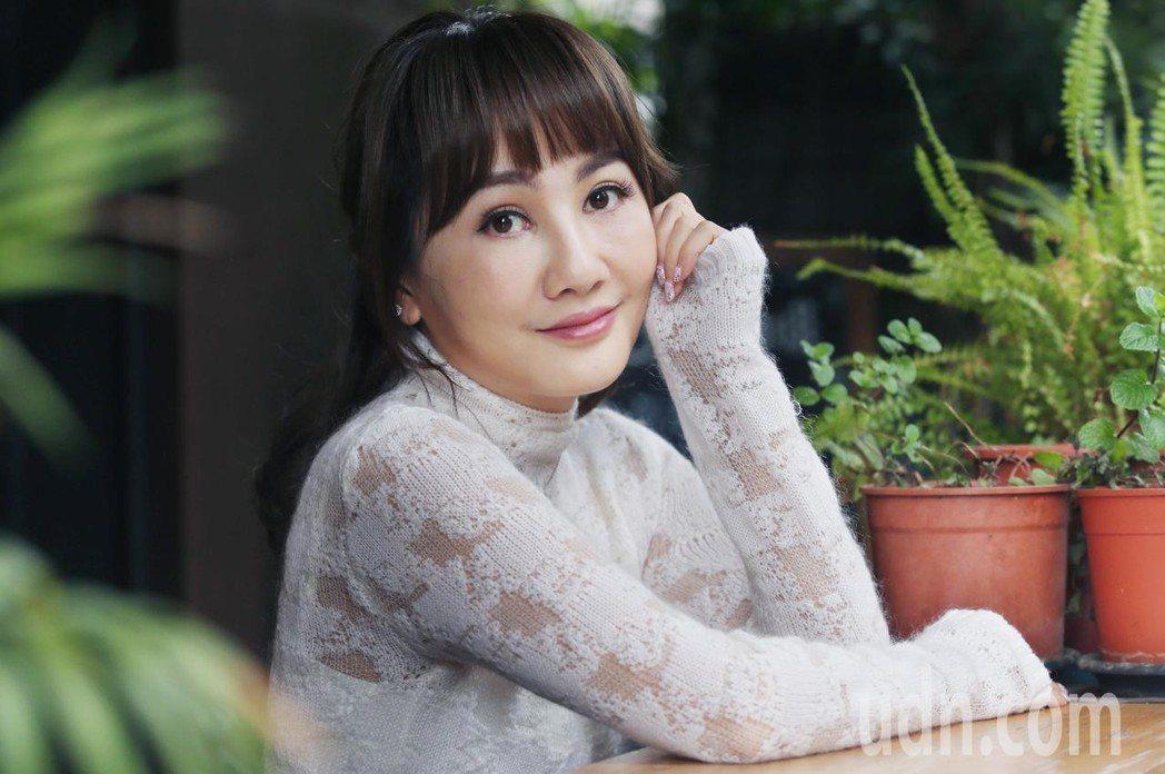 王宥忻推出首張專輯「宥見逆光的幸福」。記者林俊良/攝影