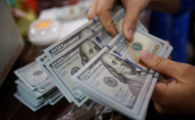 新冠疫情大流行掀起全球搶美元狂潮,促使美國聯準會(Fed)以最終放款者的角色介入...