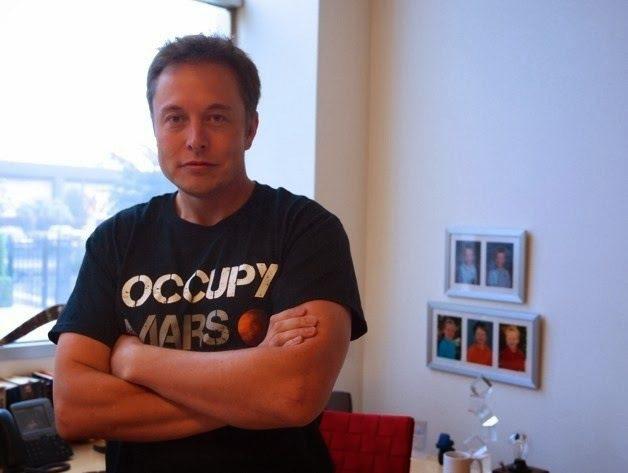 「特斯拉」創辦人伊隆馬斯克與安柏赫德也有段不倫戀。圖/摘自IG