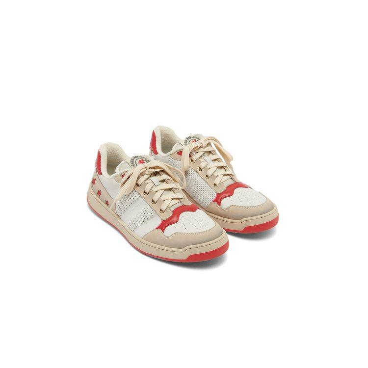 sandro S-One紅色刷毛運動鞋,售價10,440元。圖/sandro提供