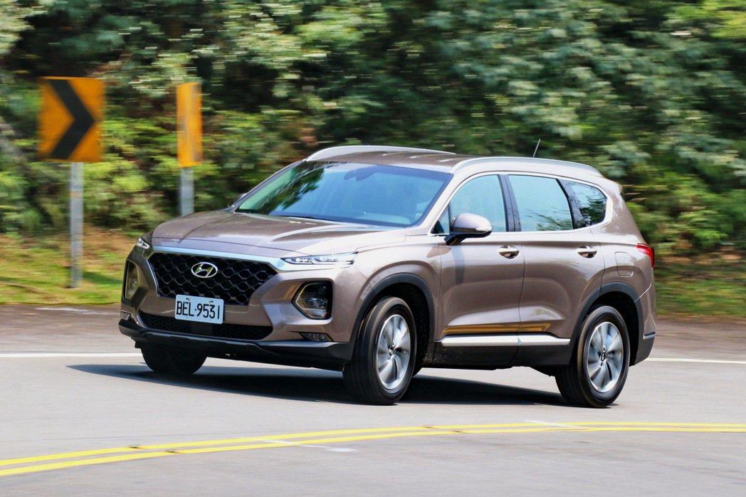Hyundai Santa Fe柴油旗艦版少了4WD較為可惜。 記者陳威任/攝影