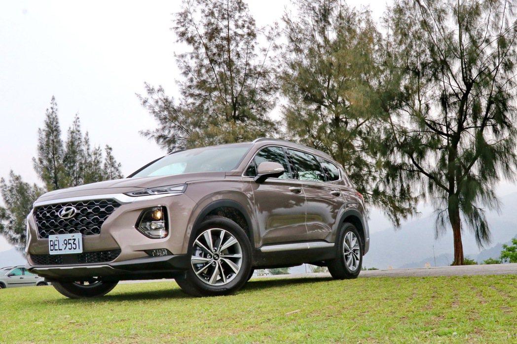 Hyundai Santa Fe柴油旗艦版 記者陳威任/攝影