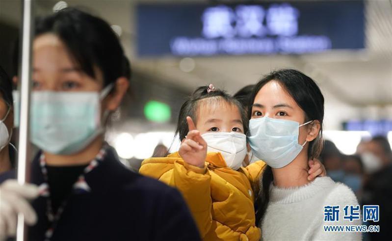 論文顯示,確診病例的密切接觸者感染率為6.3%,無症狀感染者的密切接觸者感染率為4.11%。兩者的感染率幾乎無差異。新華社