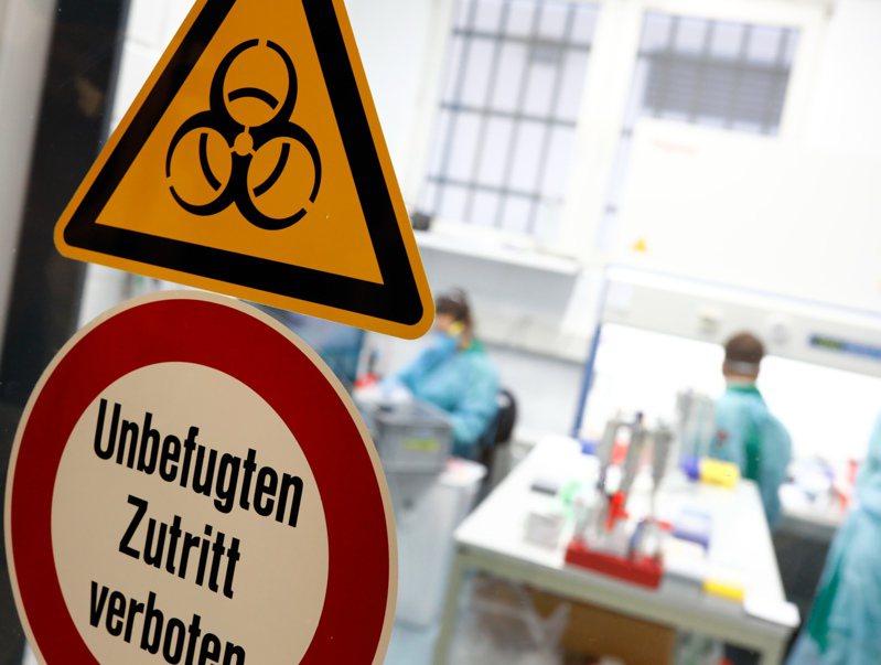 新冠肺炎德國患者已破5萬,但死亡率卻始終保持在極低的0.6%,遠低於義大利的10.5%和西班牙近8%。路透