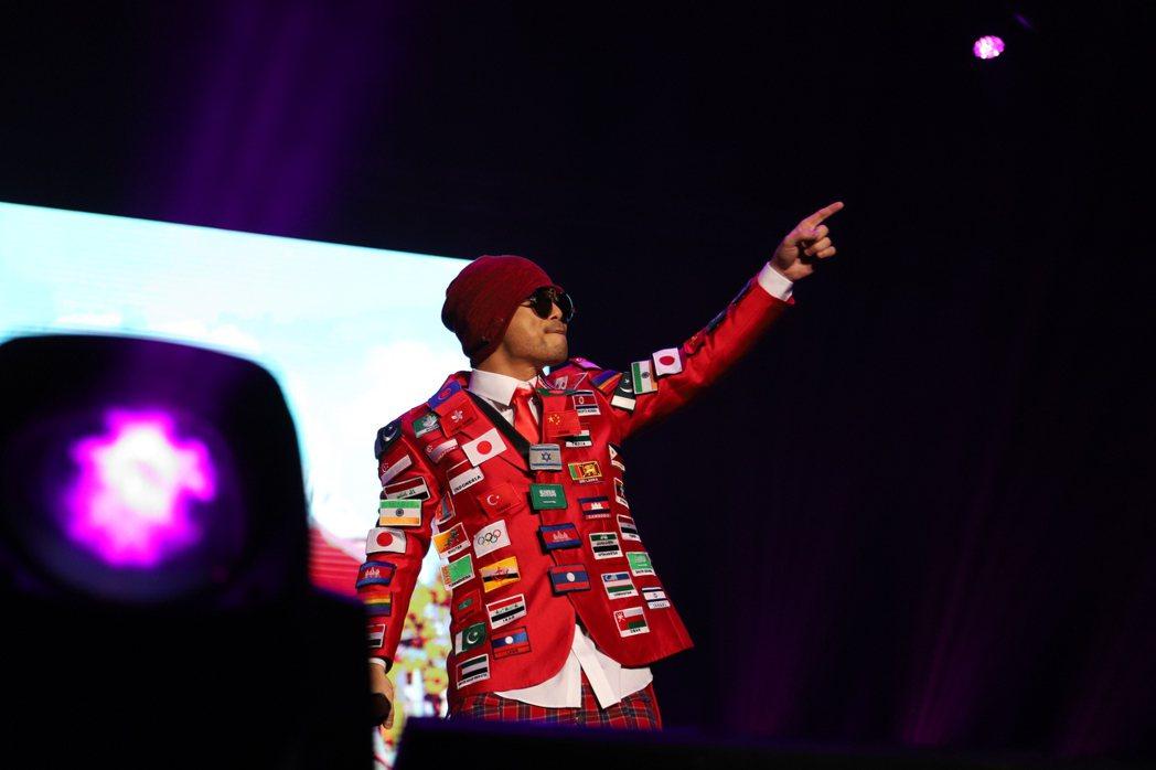 黃明志的「黃明志4896世界巡迴演唱會Live全紀錄」數位專輯全新上架。圖/亞洲