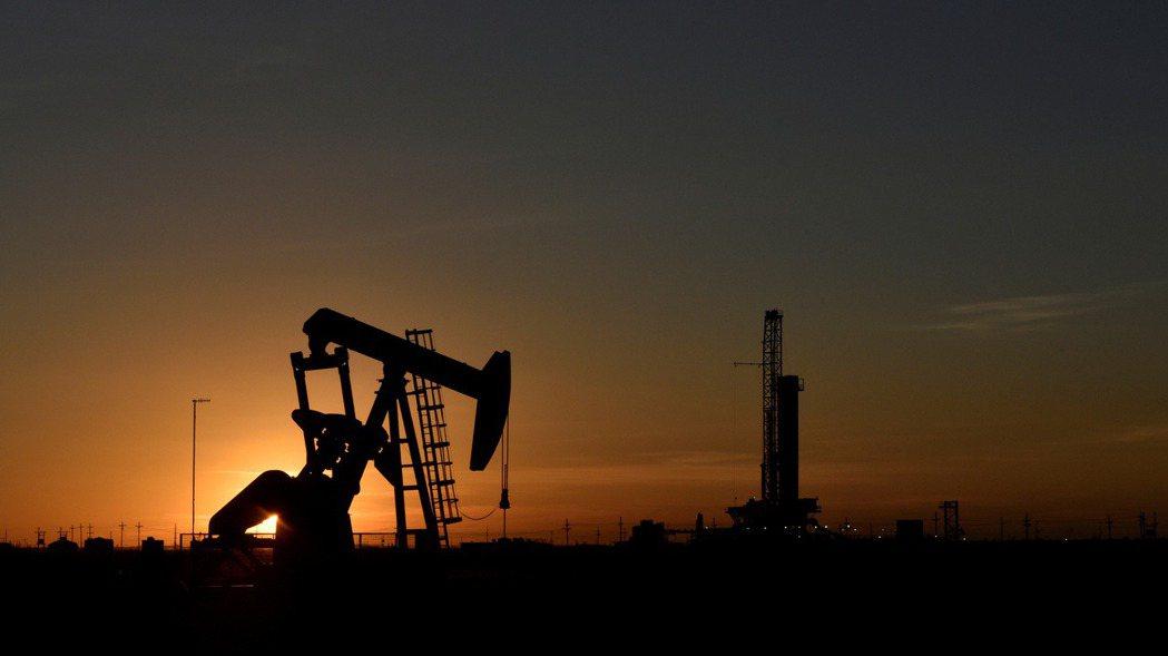 產油國主權基金將大舉出售股票。 (路透)