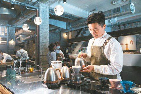 吳則霖心目中的完美咖啡是帶有甘美餘韻的。 記者陳立凱/攝影