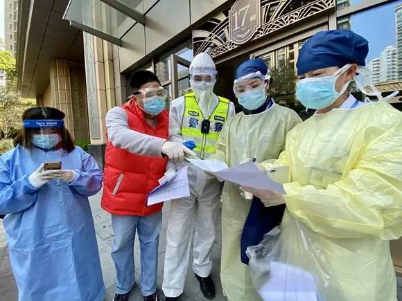 上海儘管是居家隔離,防疫也很嚴格。 圖/取自東方網