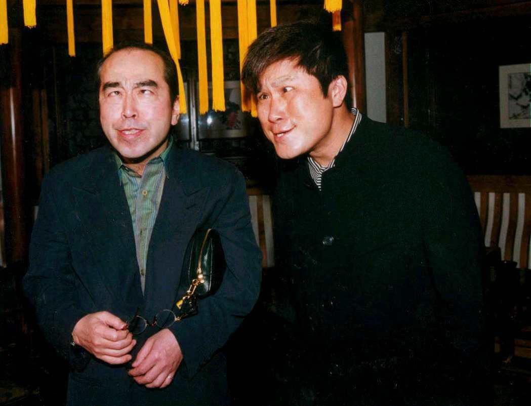 志村健曾和胡瓜(右)和同台扮鬼臉。圖/報系資料照(記者郭肇舫/攝影)