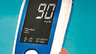 遠傳開發NB-IoT血糖機,於台南市全區26間直營門市開賣。 圖/遠傳提供