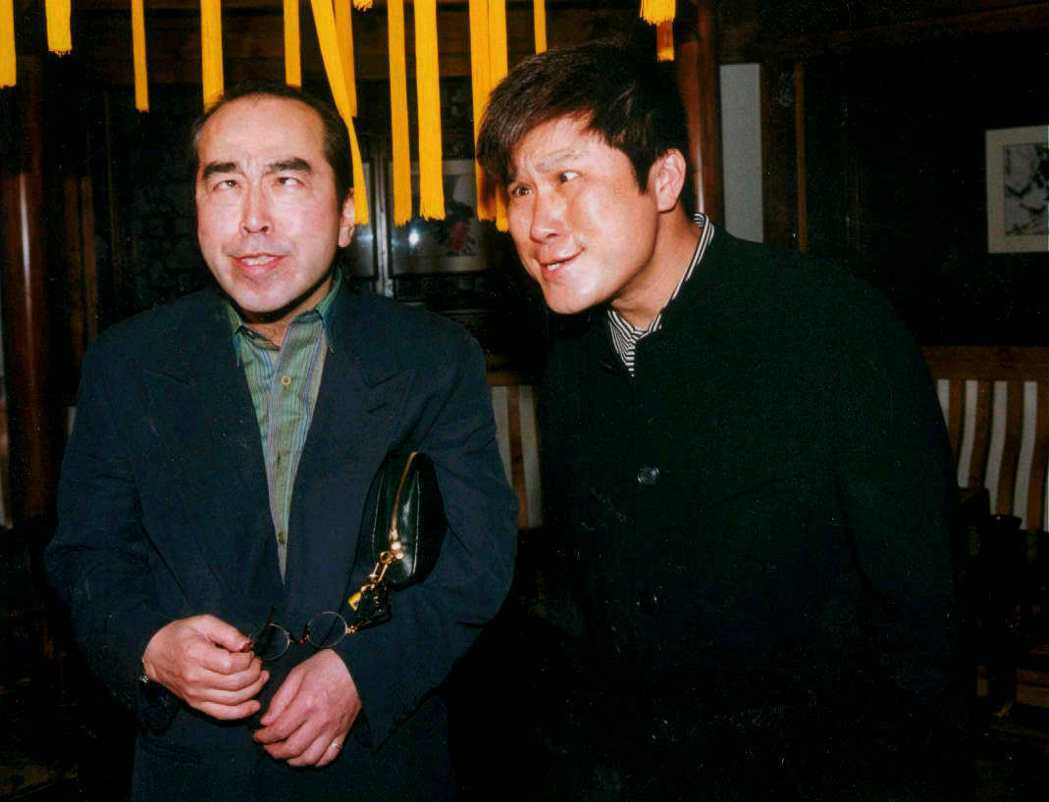 志村健曾和胡瓜(右)和同框扮鬼臉。圖/報系資料照(記者郭肇舫/攝影)