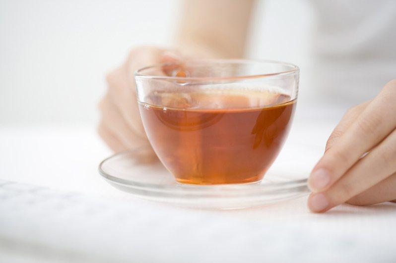 超商無糖茶飲種類眾多,其中網友最推茶裏王、御茶園、純喫茶三大品牌的茶飲。 示意圖/ingimage