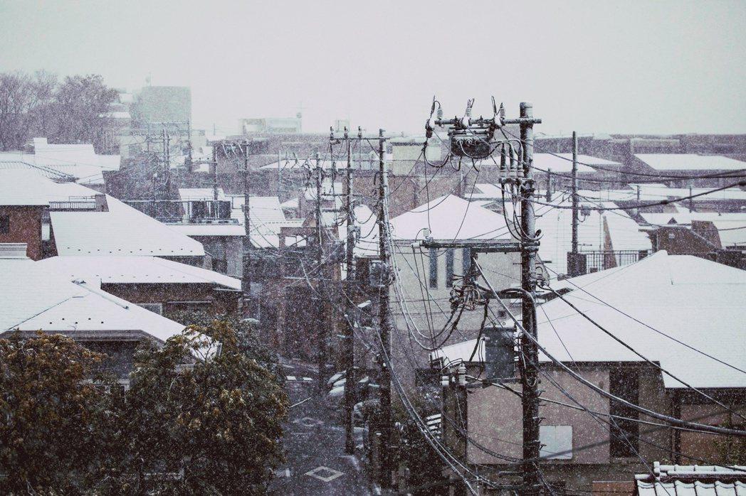 而29日自一早開始,更是睽違32年在3月底還降下瑞雪,北關東地區積雪5到10公分...