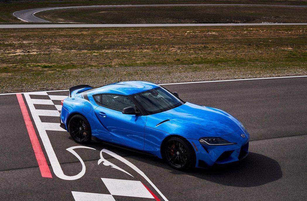 Toyota也針對了新年式Supra底盤做了重新調校,整體操控又更加提升。 摘自...