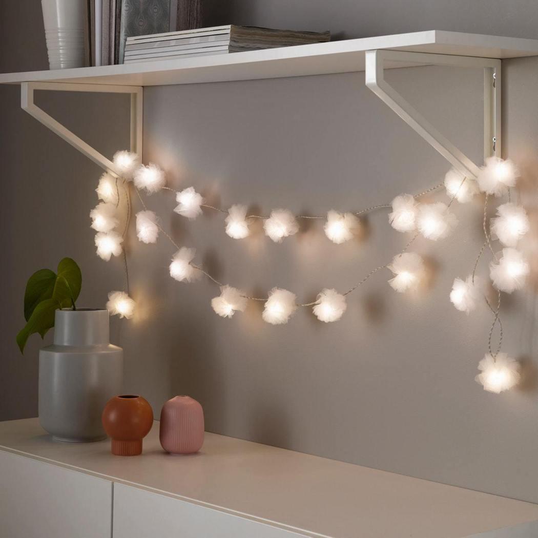LIVSÅR Led裝飾燈串提供柔和舒適的燈光照明,再加上柔美的造型,適合點綴居...