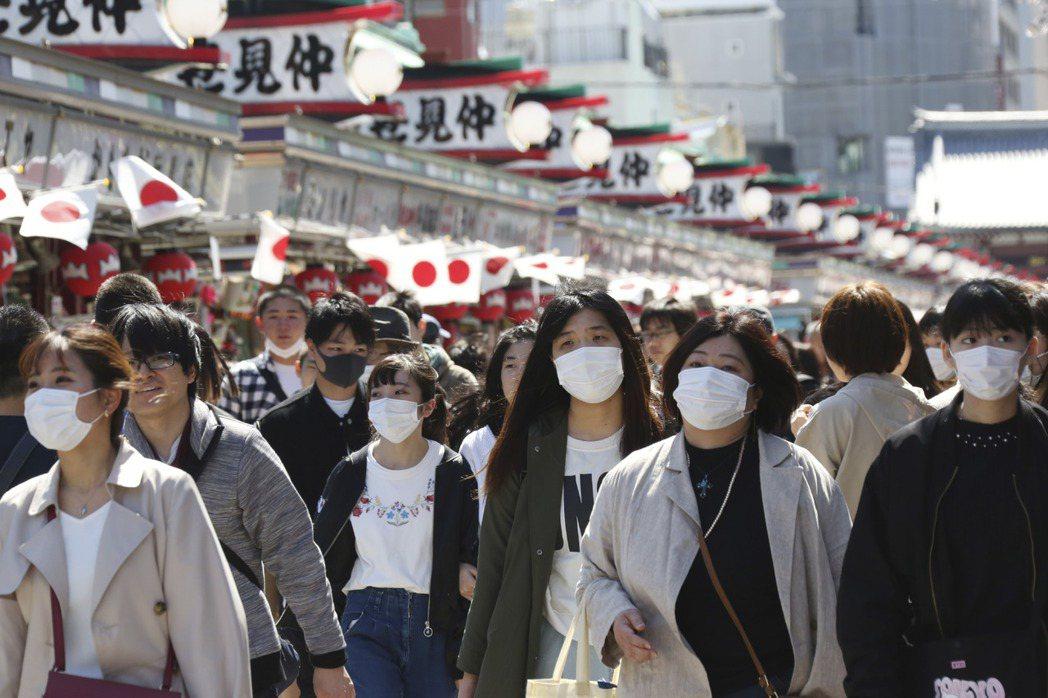 日本疫情嚴峻,根據朝日新聞統計,日本確診人數截至29號已來到2609人/圖片來源...