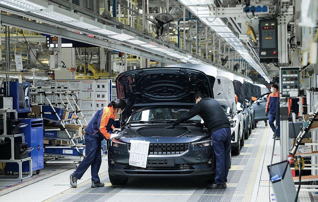 Polestar宣布位於中國浙江新橋的工廠,開始生產Polestar 2純電跨界...
