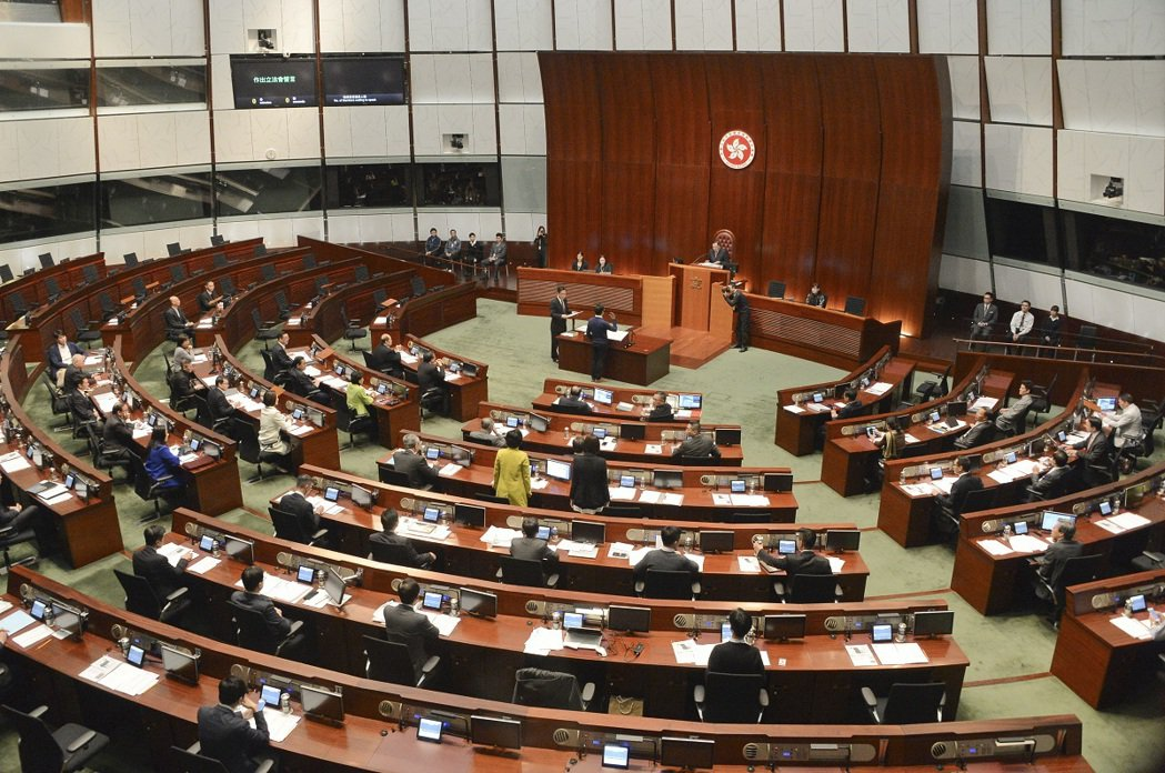 香港疫情升溫,周三立法會大會取消。星島網