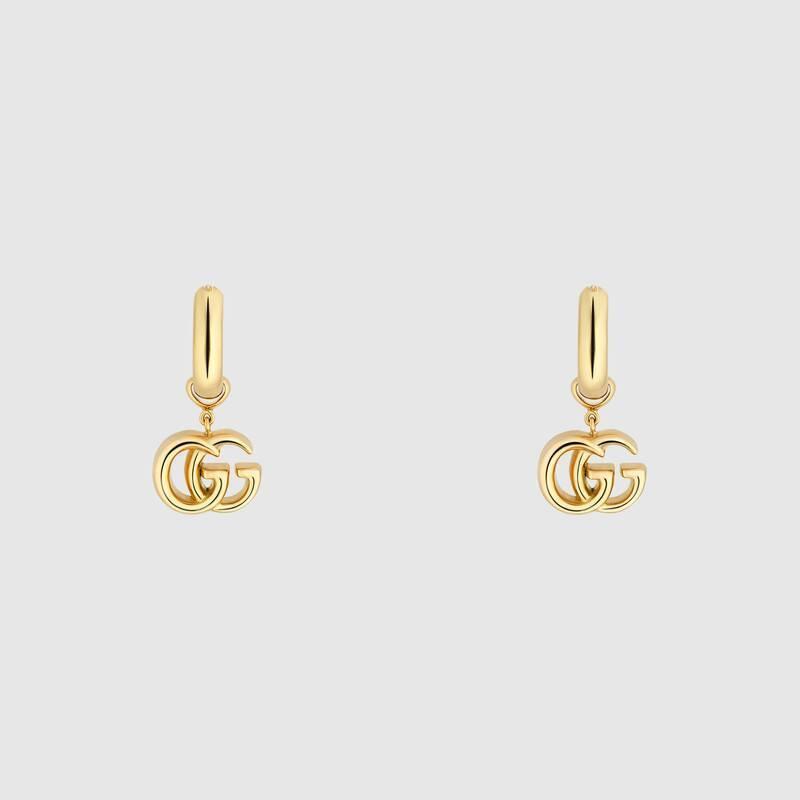 GUCCI的雙G Logo也以各種面貌出現在今年春夏飾品上。圖/摘自官網