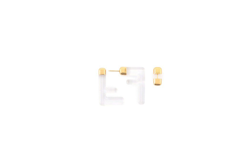 FF 白色設計耳環,19,800元。圖/FENDI提供