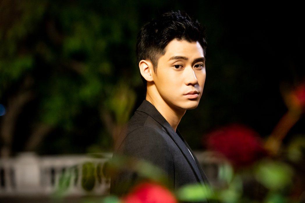 李玉璽於生日當天推出「Be Me」MV。圖/老鷹音樂提供