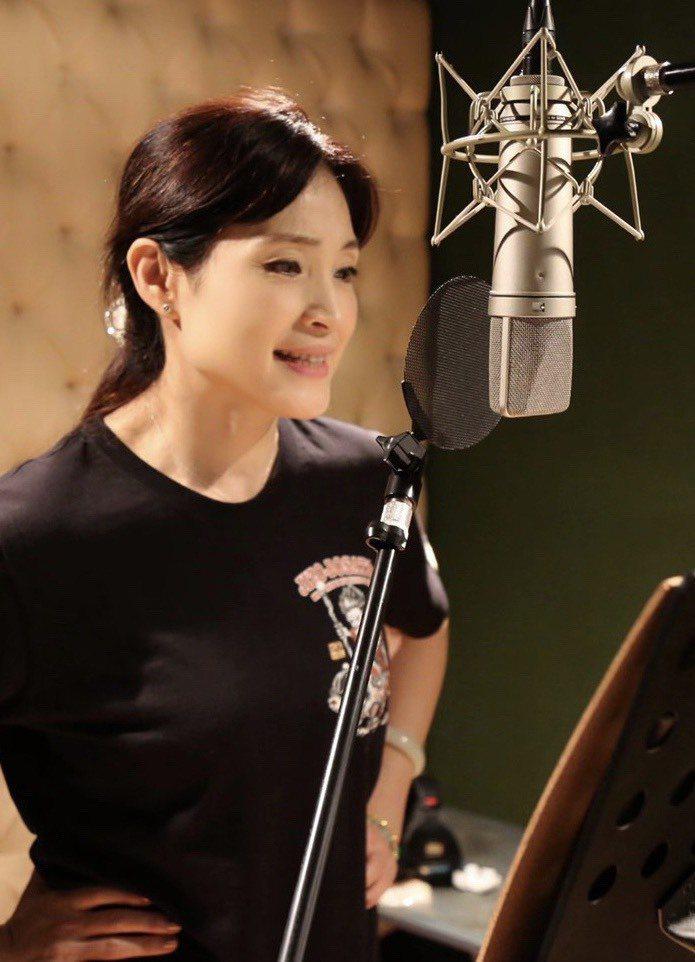 方季惟推出新歌「祝福的時光」。圖/尚時代文創娛樂工作室提供