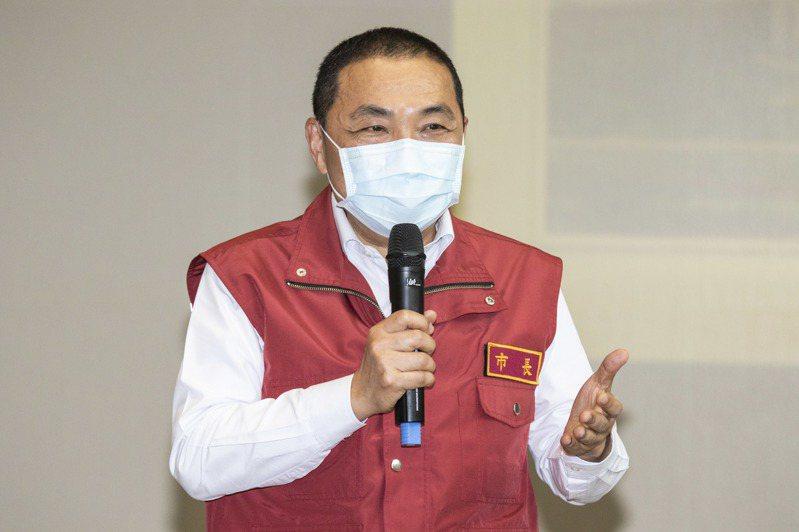 新北市長侯友宜表示,新北市目前居家檢疫的量,還可以承擔這責任,但國人沒必要真的不要再出國。記者王敏旭/攝影