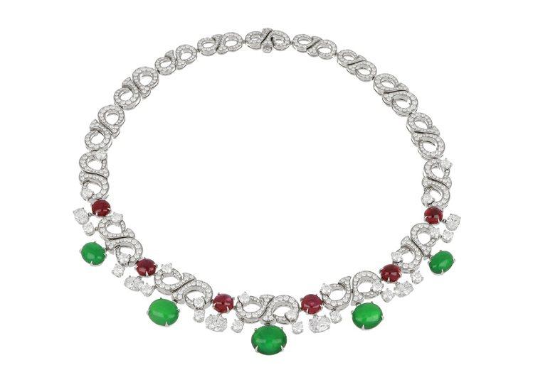 BVLGARI頂級翡翠、紅寶石與鑽石項鍊,鉑金鑲嵌5顆蛋面形切割翡翠共約23.7...