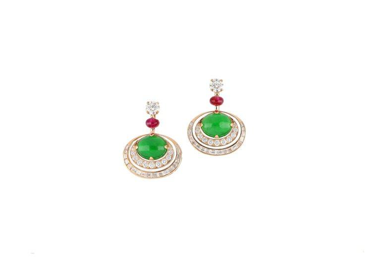 BVLGARI頂級翡翠、紅寶石與鑽石耳環,玫瑰金鑲嵌2顆蛋面形切割翡翠共約11....