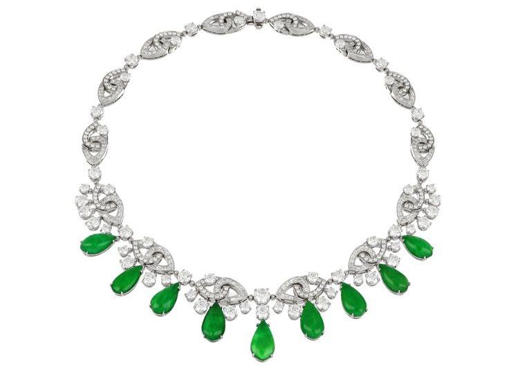 BVLGARI頂級鑽石與翡翠項鍊,鉑金鑲嵌鑲嵌9顆梨形蛋面切割翡翠共約32.94...