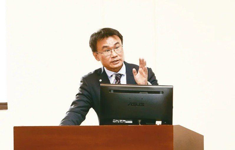 農業委員會主委陳吉仲。 記者曾原信/攝影