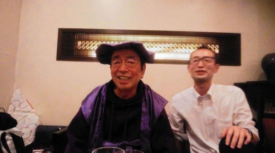志村健與侄子一起慶生。圖/摘自日刊體育