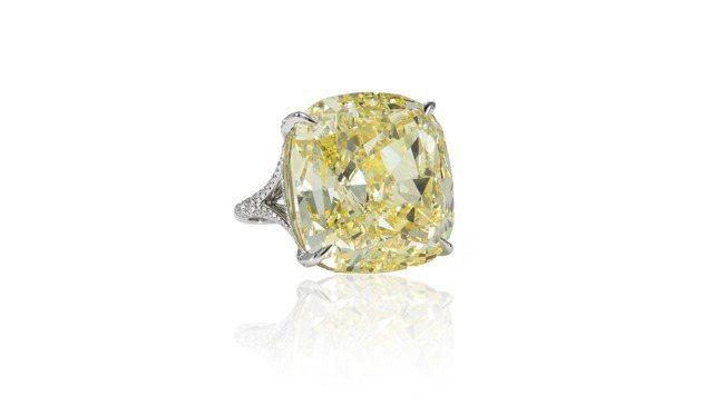 Tiffany Jewel Box高級珠寶系列戒指,鉑金鑲嵌逾51克拉枕形切割濃...