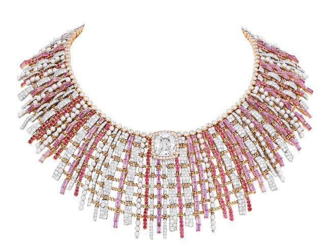 香奈兒頂級珠寶TWEED COUTURE項鍊,鉑金及粉紅金鑲嵌粉紅剛玉、尖晶石與...