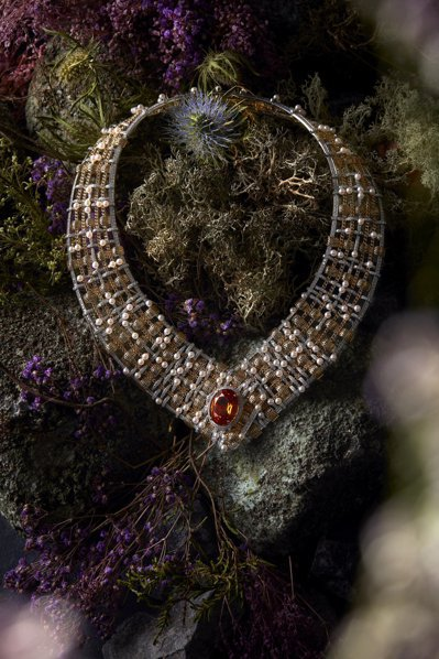 香奈兒頂級珠寶TWEED D'OR 項鍊,黃金及鉑金鑲嵌養珠、鑽石及20.40克...