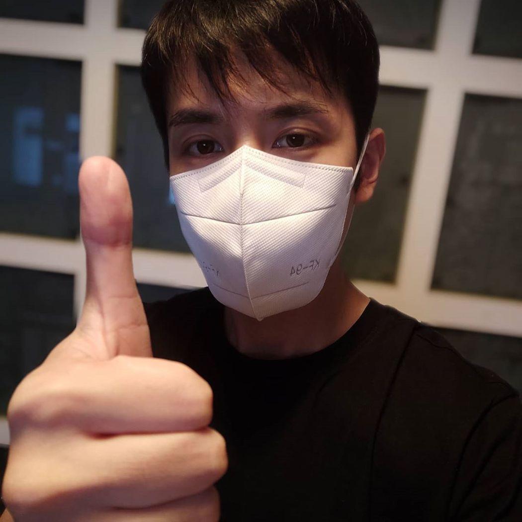 香港歌手李日朗鄰居確診新冠肺炎。 圖/擷自IG