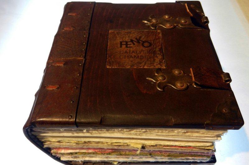 中古世紀「哥德式裝幀」(Gothic Bookbinding)。 圖/作者提供