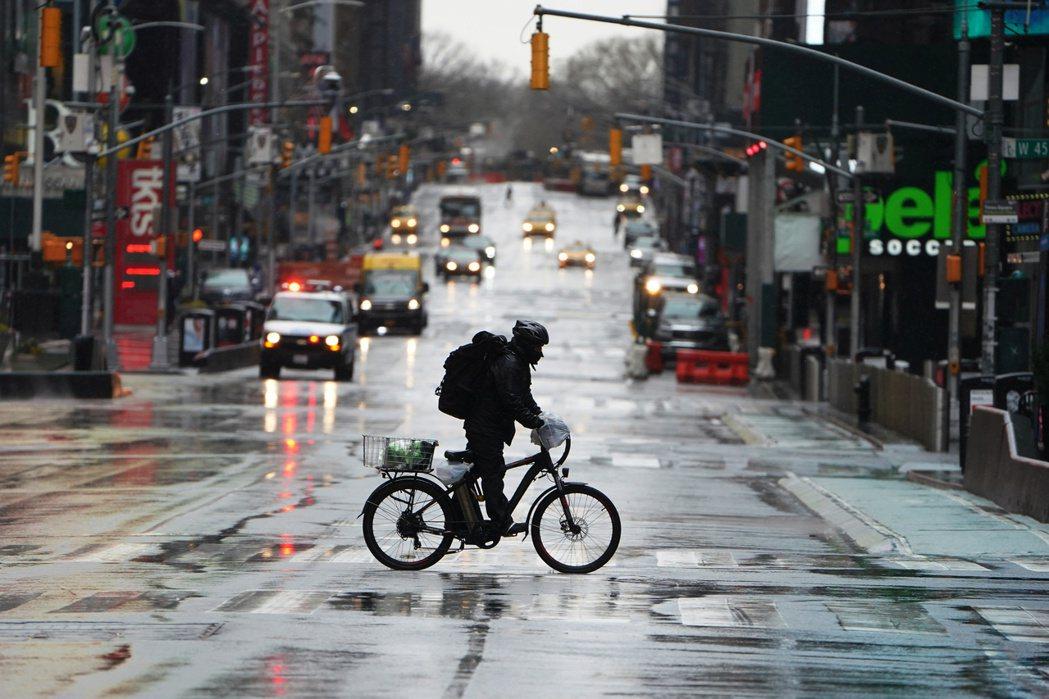 紐約擁有約2,000公里的自行車道網絡,是美國目前最大的自行車路網。 圖/路透社