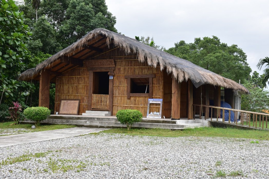 kakita'an祖屋依傳統工法重建建築,是以前太巴塱部落的信仰中心。 圖/王思...