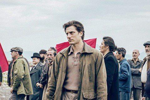 《馬丁伊登》劇照。 圖/取自IMDb