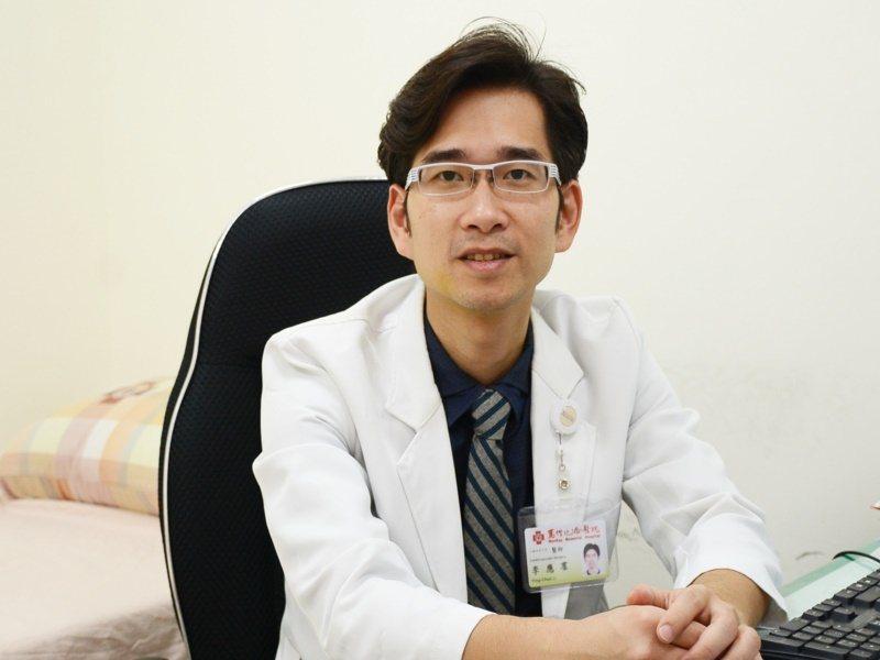 台東馬偕醫院心臟外科醫師李應羣說,心臟主動脈瓣膜狹窄,暢導致猝死,對人體帶來的危...