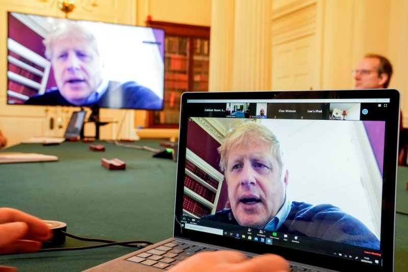 3月27日英國首相強森宣布確診,隔離辦公。 圖/路透社