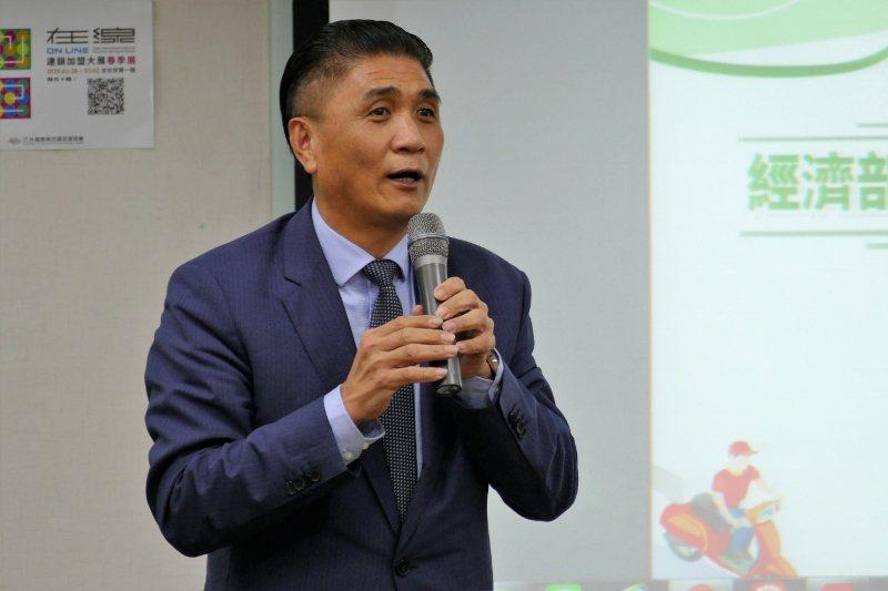 台灣連鎖加盟促進協會理事長李日東主持外送平台說明會。 加盟促進協會/提供