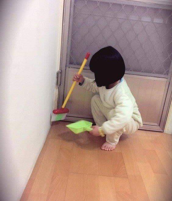 清潔打掃是一種專業,黃祿淵也用它來培養孩子認真確實的做事態度。(照片提供:威合威...